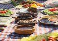 نخستین جشنواره غذاهای دریایی در ساحل دریاچه اوان  برگزار شد